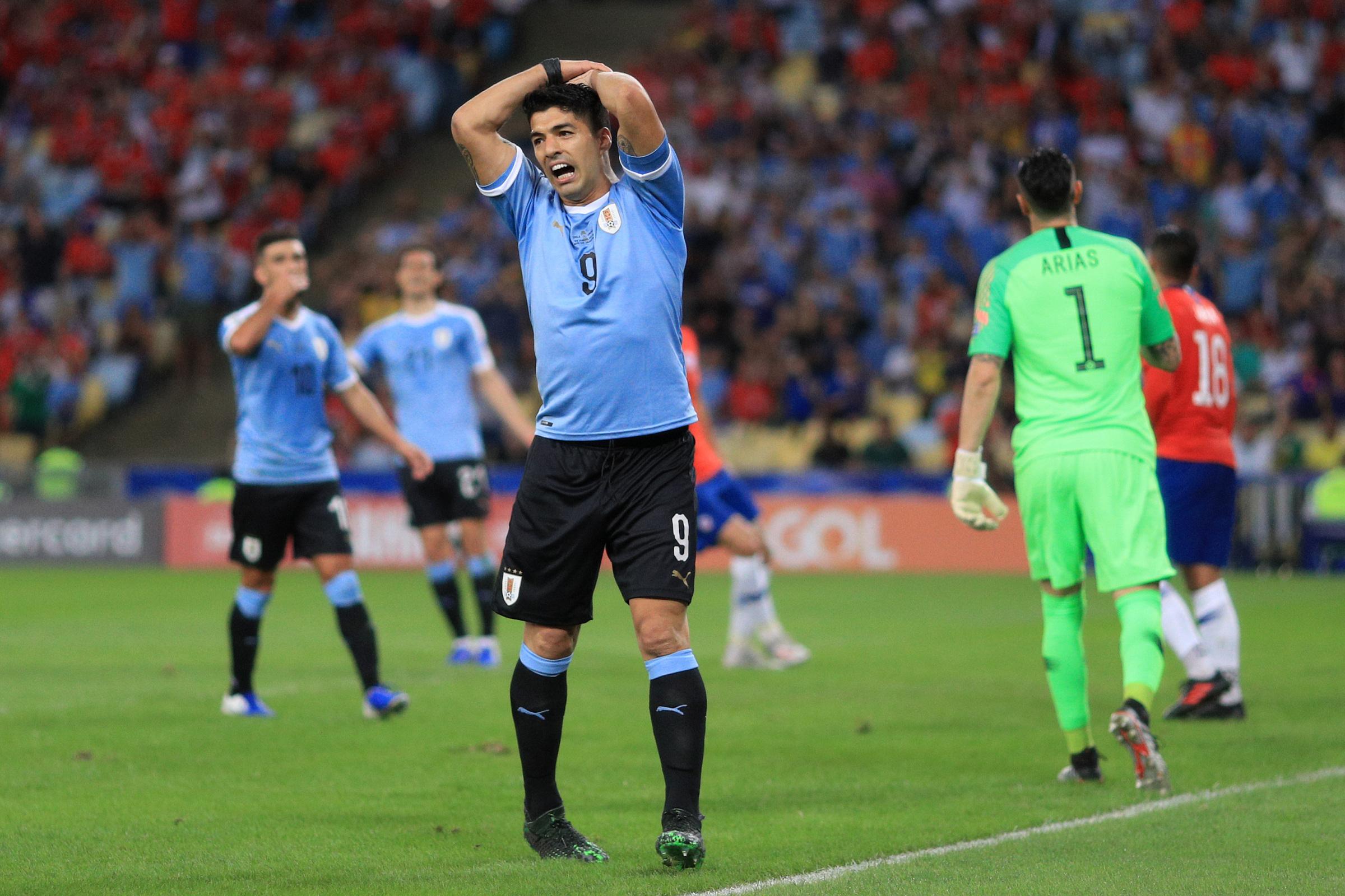 d6b643534 Bramkarz dotknął piłki ręką, Luis Suarez domagał się karnego | Eurosport w  TVN24 - Piłka nożna - TVN24